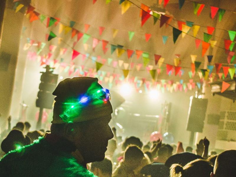 carnaval in de oude calixtuskerk in gronelo