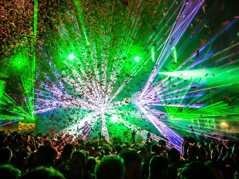 lichtshow lasershow en confetti